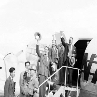 1951년 10월 20일 일본 도쿄에서 제1차 한?일회담이 개최되었다. 이 회담에서는 재일교포의 국적 문제와 양국 간의 현안 문제 토의를 위한 사무국 개설 등이 논의되었다. 원문이미지