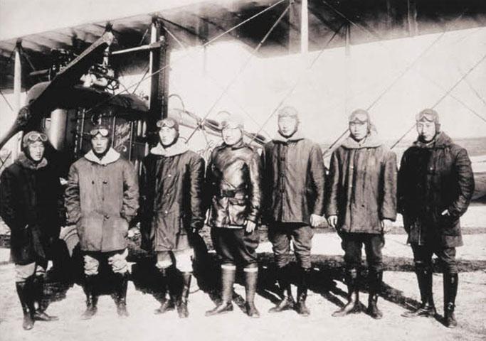대한민국임시정부 군무총장과 윌로우쓰 한인비행학교 교관들