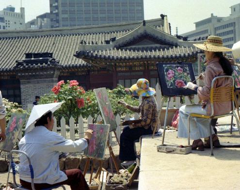 덕수궁 석조전 및 꽃