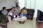 TV를 시청하는 가족